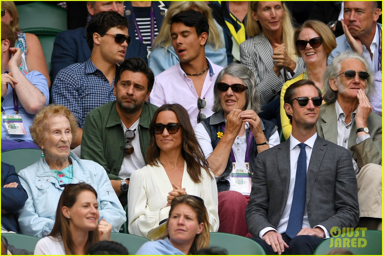 pippa middleton sits in royal box at wimbledon with her husband 053928115