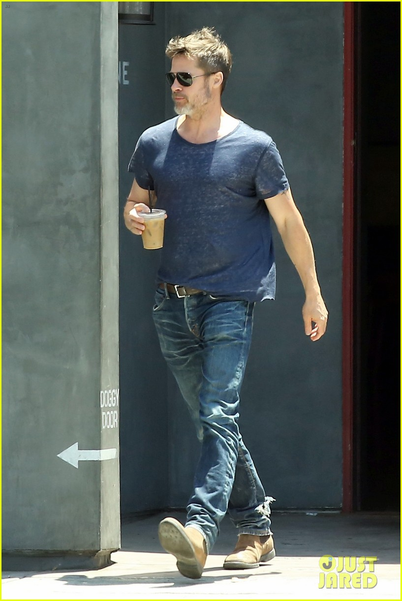 brad pitt sips on iced coffee after lunch with friends 013924467