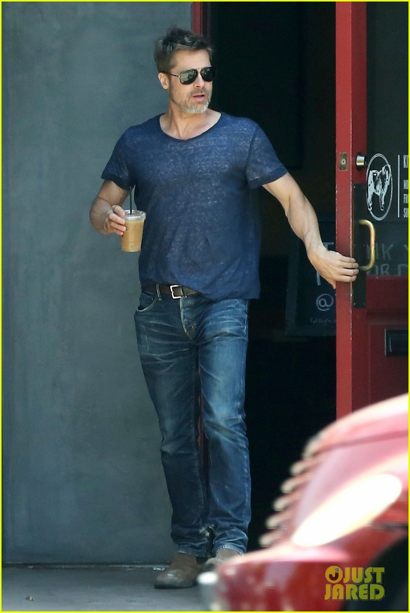 brad pitt sips on iced coffee after lunch with friends 033924469