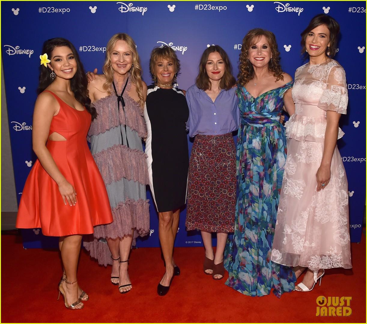 10 of disneys princess actresses met up for epic d23 photo 333928328