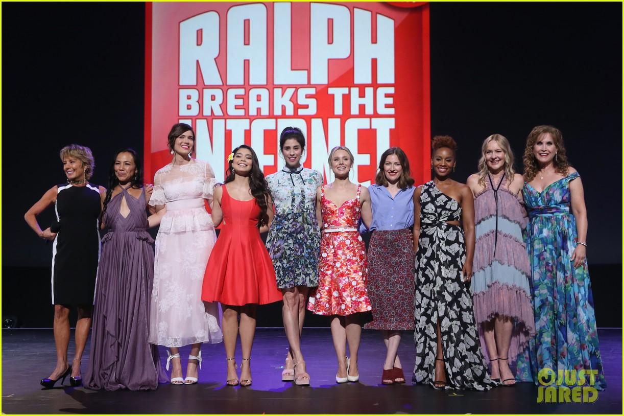 10 of disneys princess actresses met up for epic d23 photo 343928329