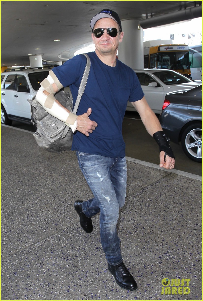 jeremy renner reveals how he injured both his arms 053924716