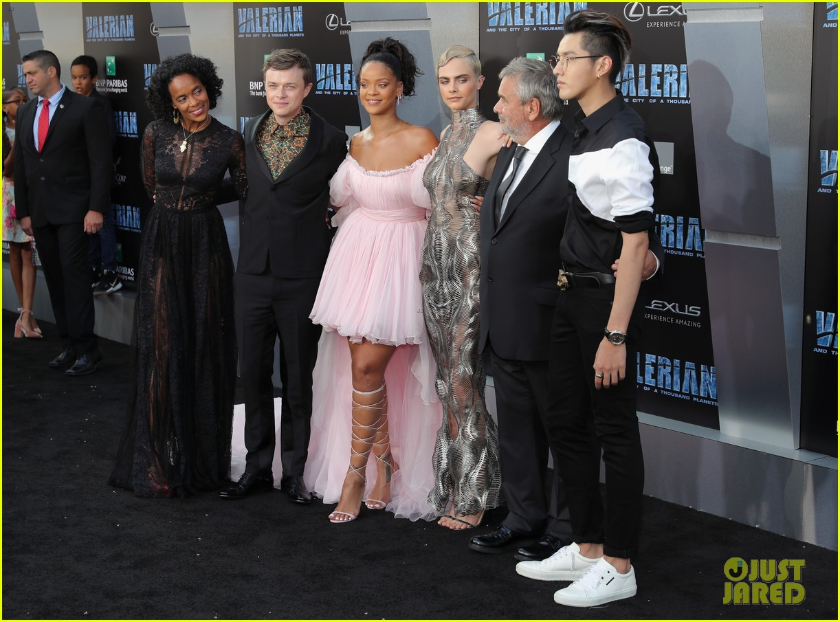 rihanna stuns in pink tulle gown at valerian premiere 163929663