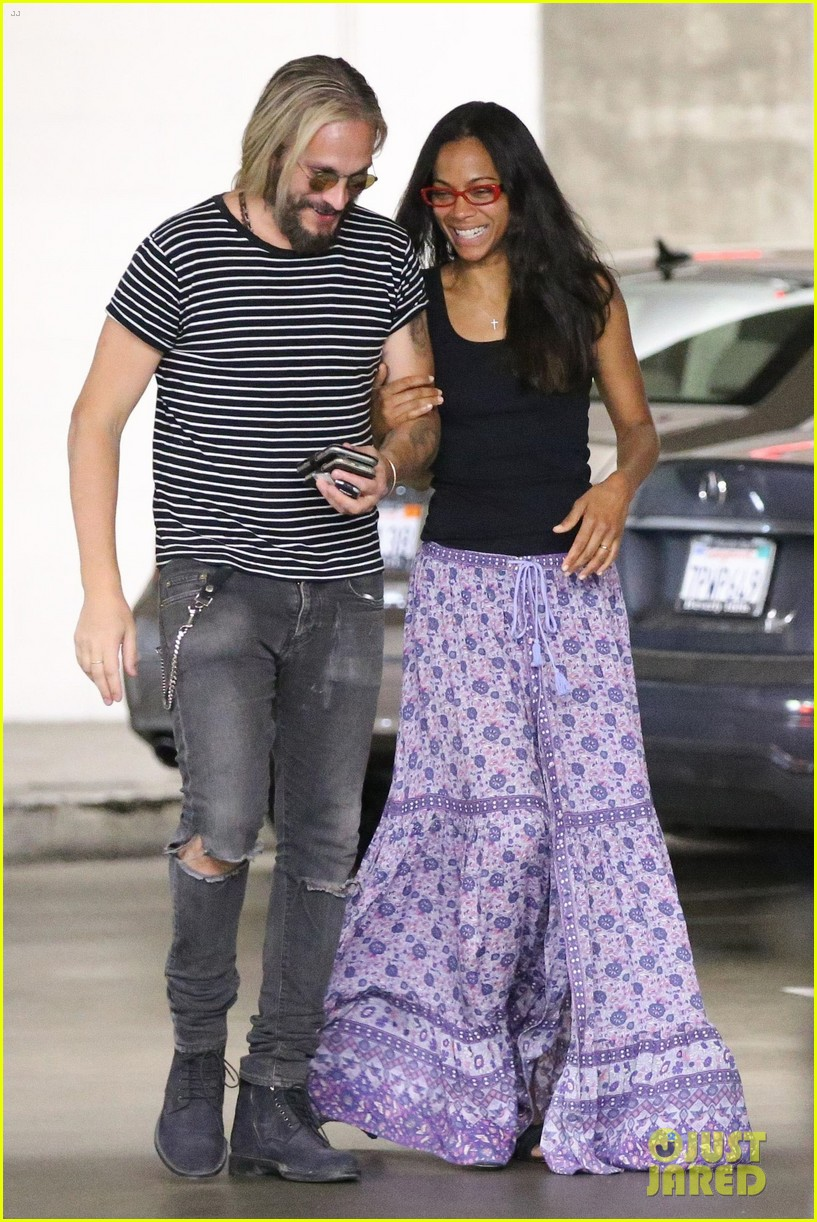 zoe saldana hubby marco perego share a laugh on afternoon date 013930413