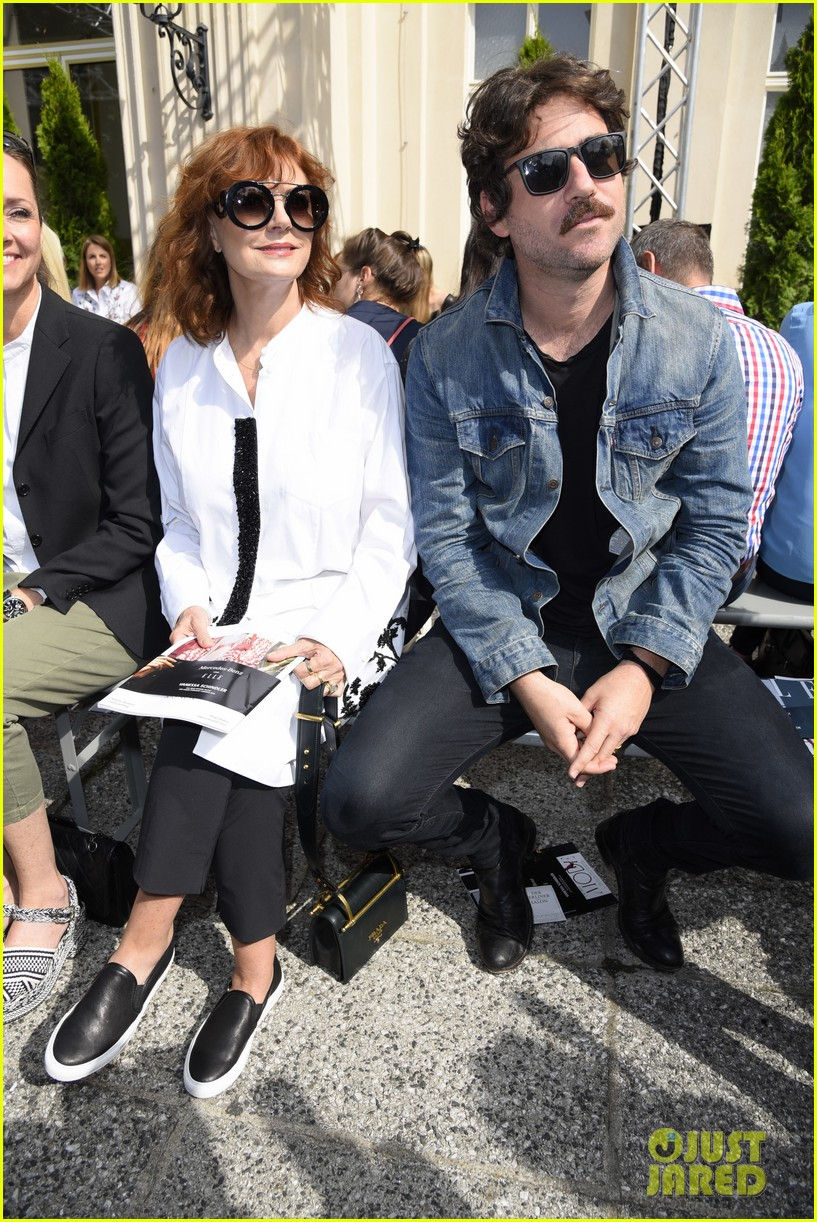 susan sarandon bryn mooser berlin fashion week 053924658