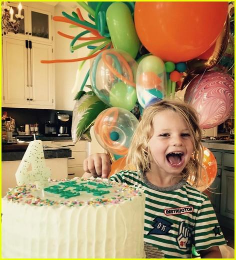 jessica simpsons kids sing happy birthday 013922796