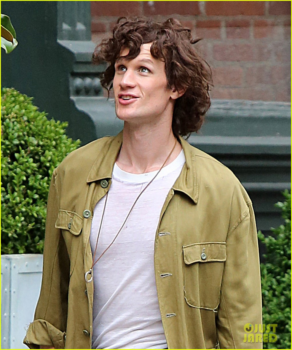 matt smith wears a curly wig on movie set 013934996