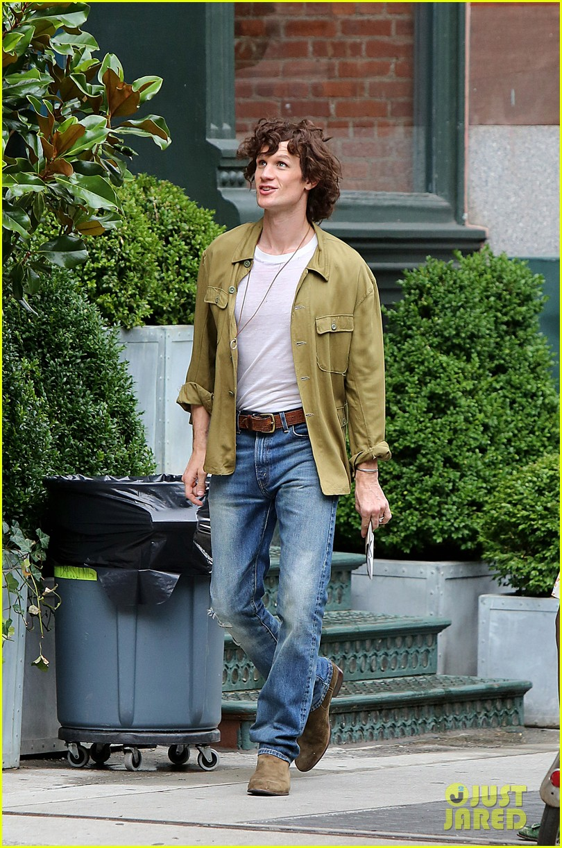 matt smith wears a curly wig on movie set 043934999