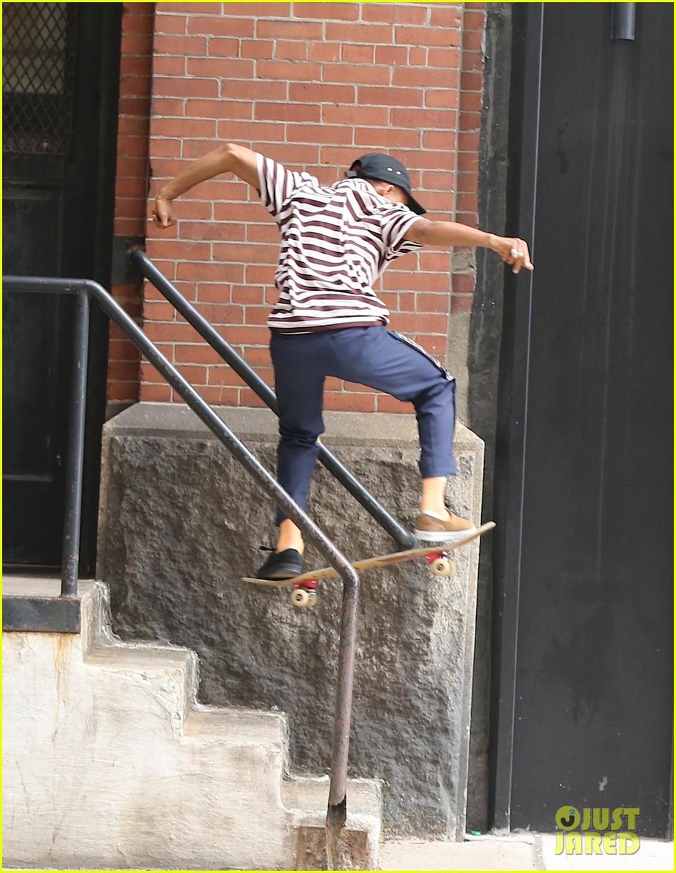 jaden smith skateboard moves 033929303