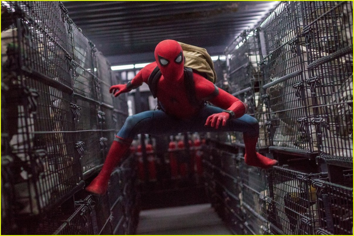 is there a spider man end credits scene 023924185