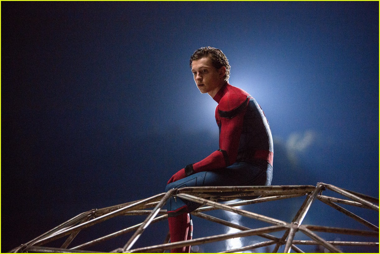 is there a spider man end credits scene 043924187