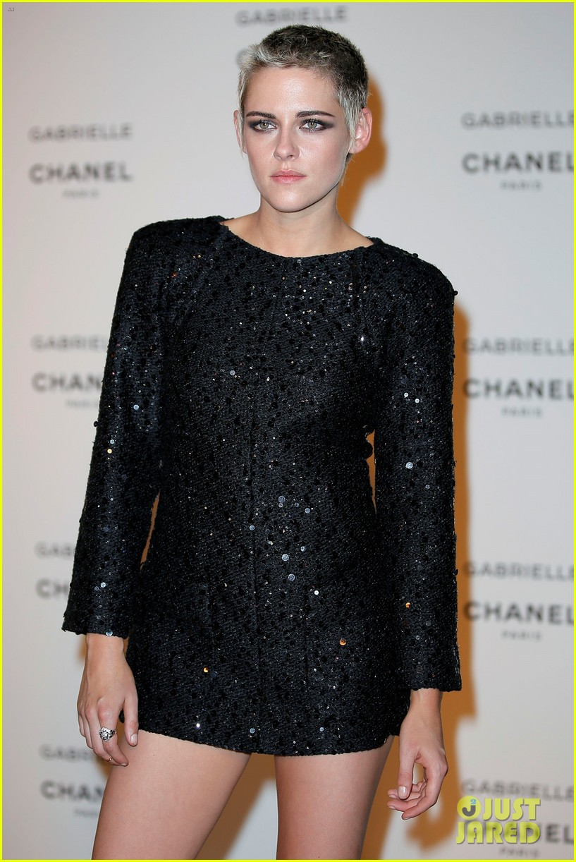kristen stewart stella maxwell coordinate at chanels gabrielle perfume launch 053923679