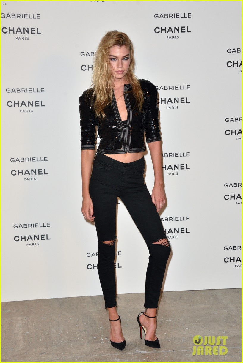 kristen stewart stella maxwell coordinate at chanels gabrielle perfume launch 083923682