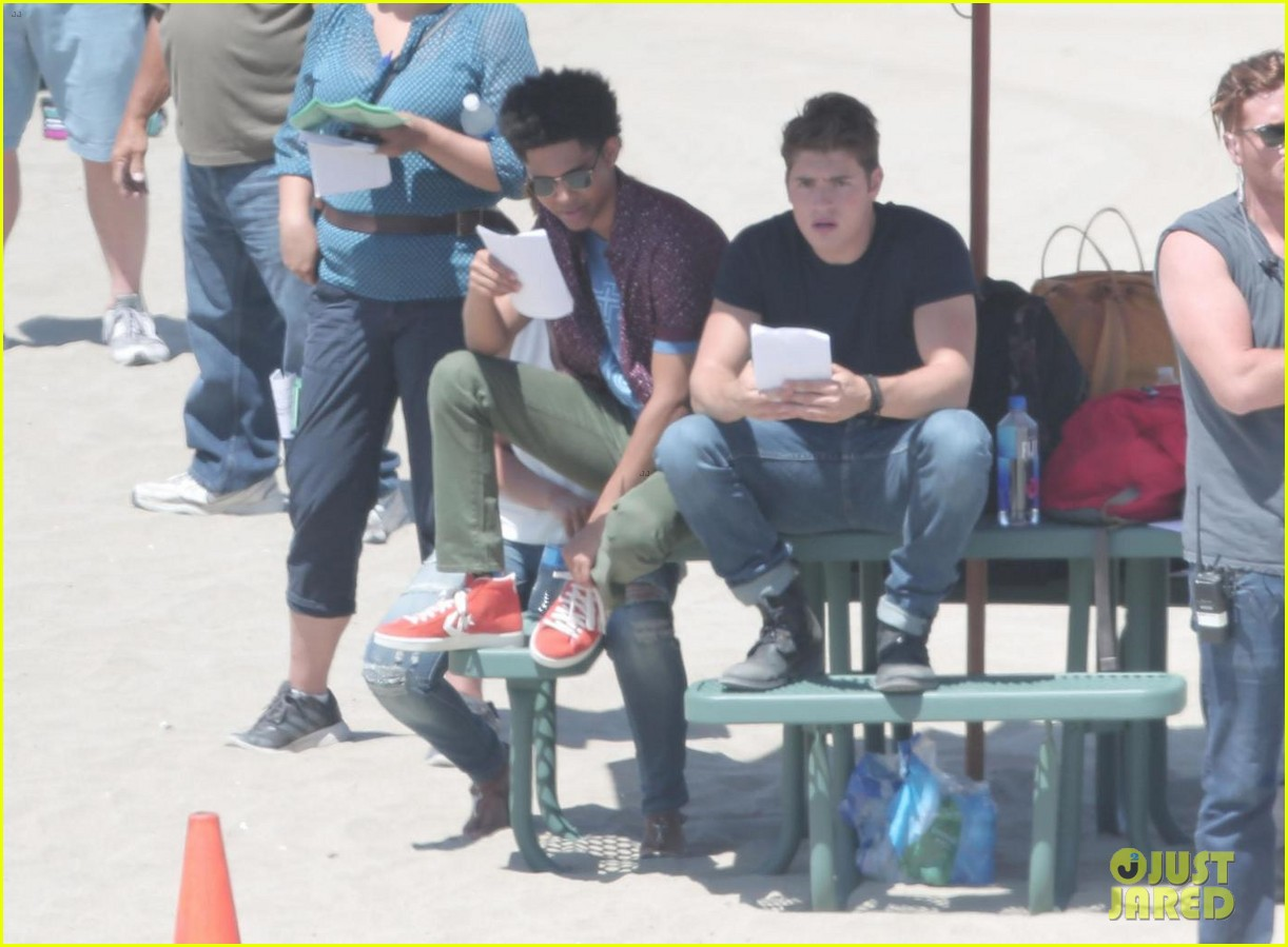 gregg sulkin starts filming marvels runaways at beach in la 023931558