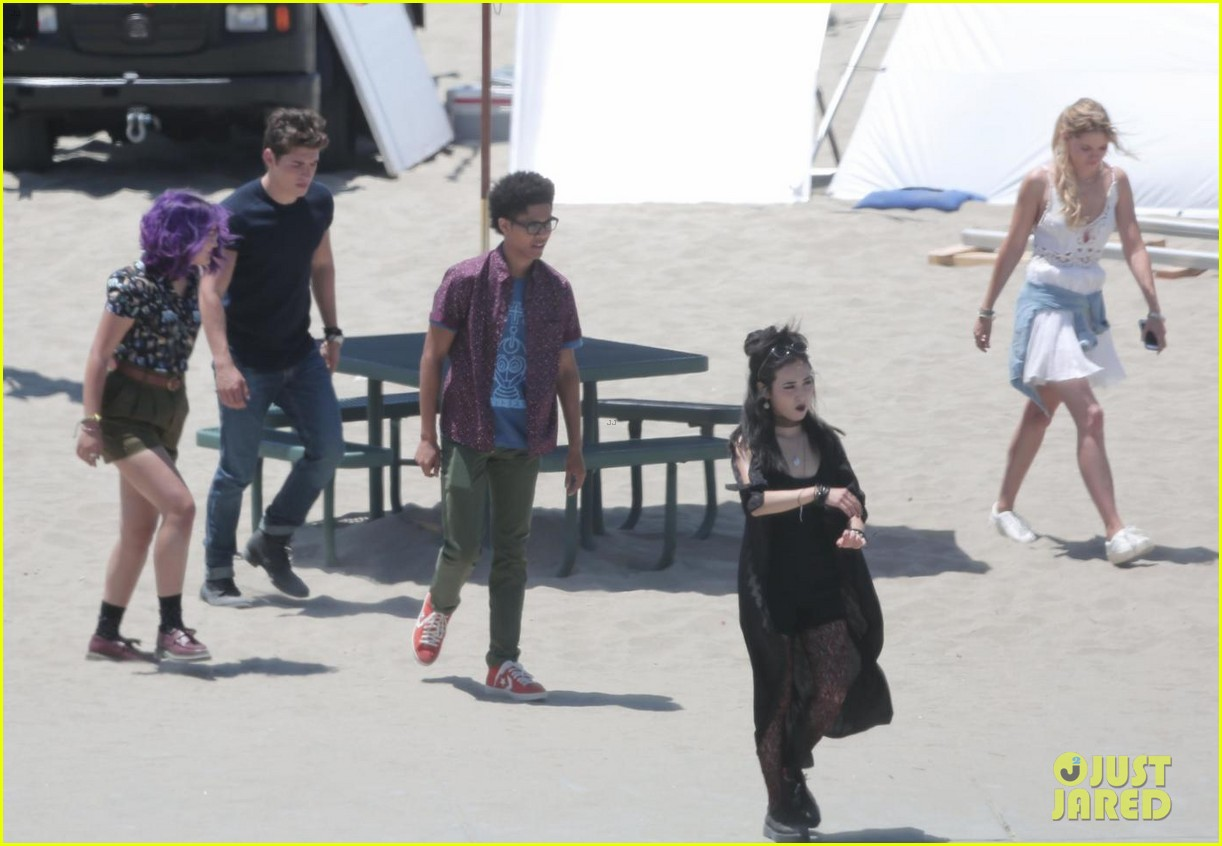 gregg sulkin starts filming marvels runaways at beach in la 043931560