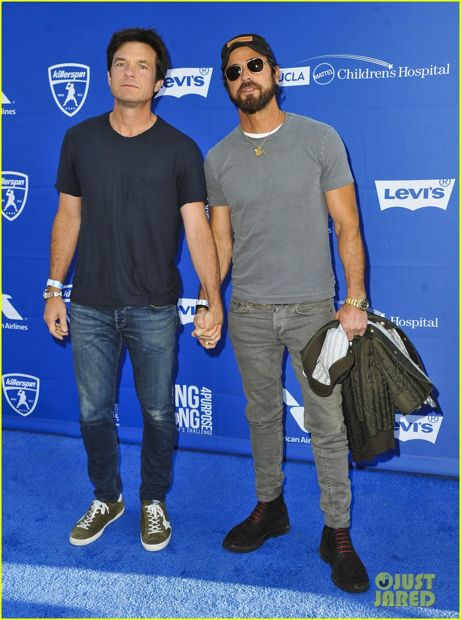 justin theroux jason bateman hold hands at charity ping pong tournament 023934848