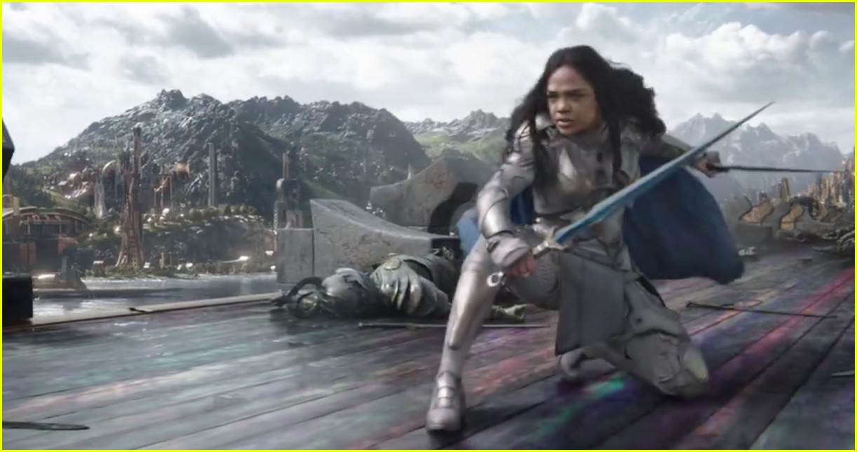 thor ragnarok comic con trailer chris hemsworth 043932319