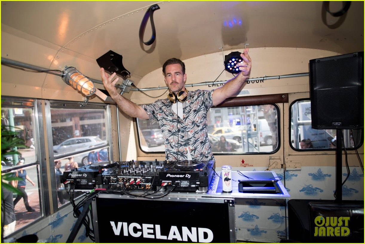 james van der beek lets loose at comic con for what would diplo do 023931974