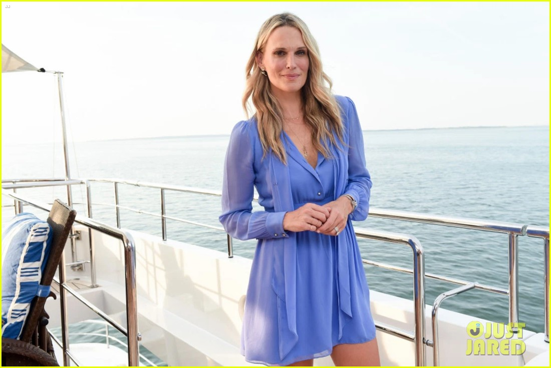 reese witherspoon hops on yacht to celebrate launch of fwrd x haney 023933152