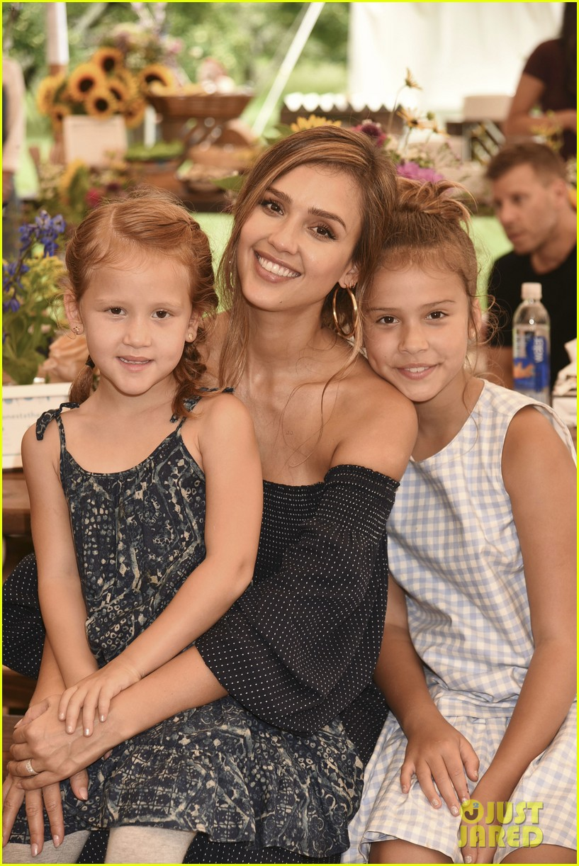 jessica alba honest company event with kids 033938224