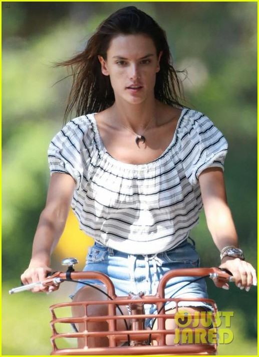 alessandra ambrosio shows off her bikini body during family beach day 023940588