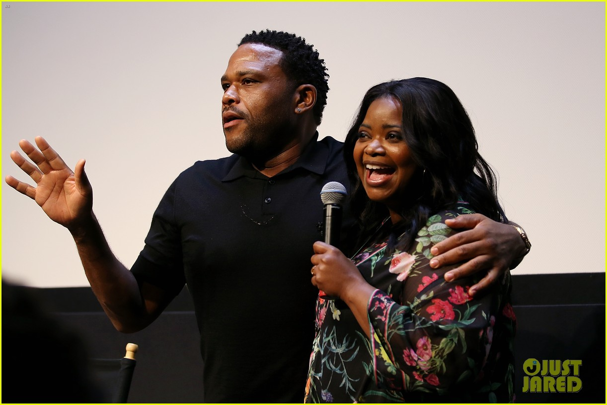 anthony anderson says he would switch roles with transparents jeffrey tambor 043945085