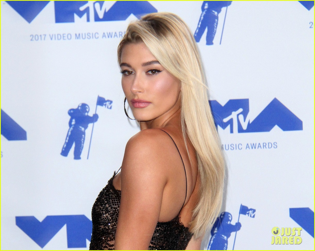 hailey baldwin cameron dallas keep it casual at republic records mtv vmas 163947303