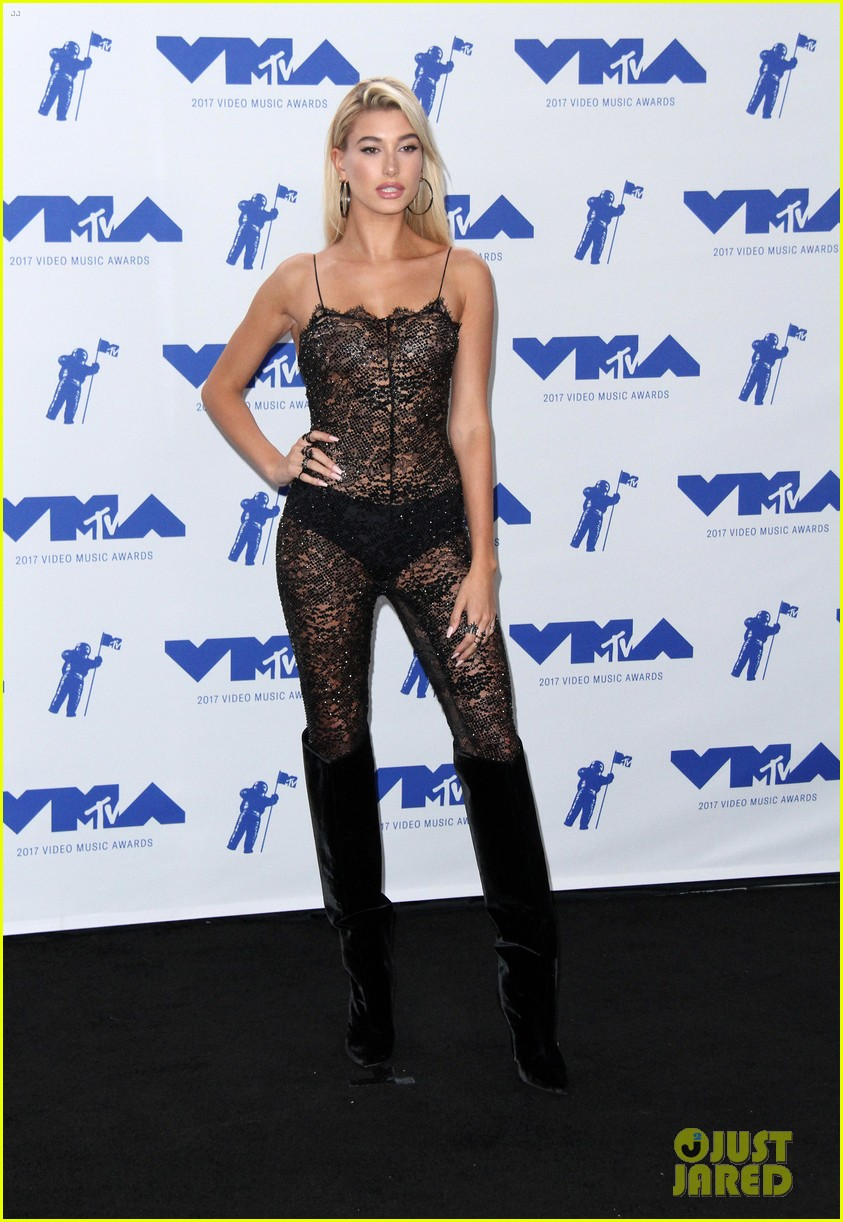 hailey baldwin cameron dallas keep it casual at republic records mtv vmas 183947305