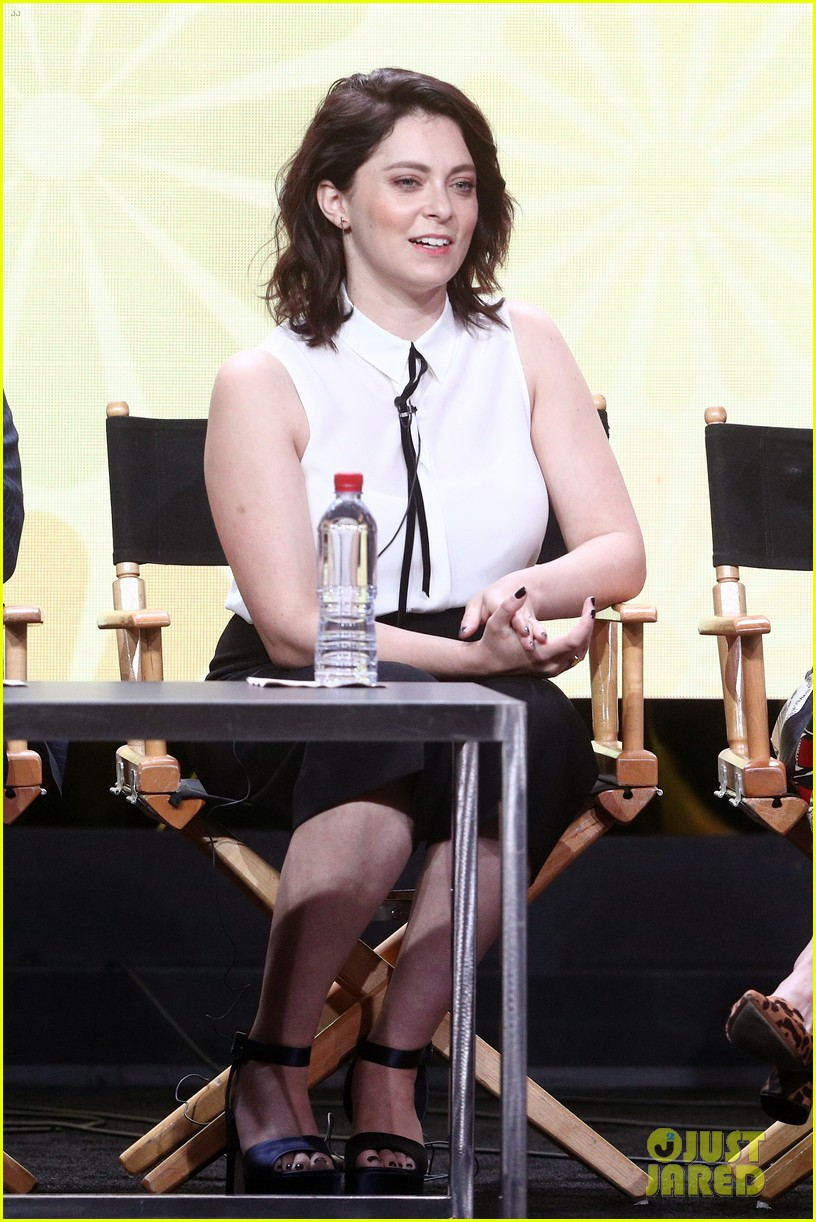 rachel bloom joins fellow cw stars at summer tcas 013937003