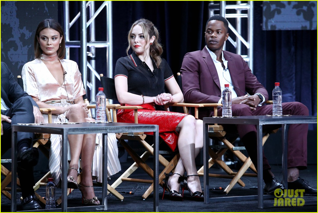 rachel bloom joins fellow cw stars at summer tcas 063937008