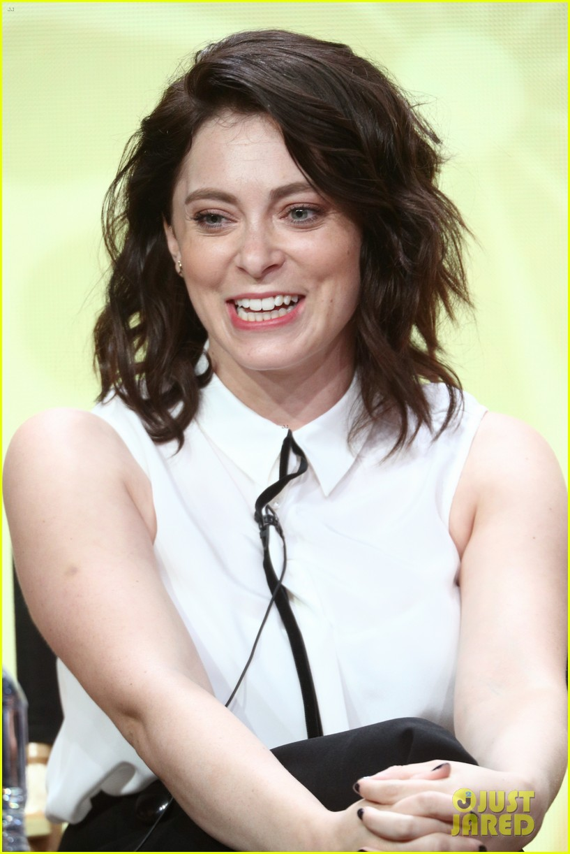 rachel bloom joins fellow cw stars at summer tcas 123937014