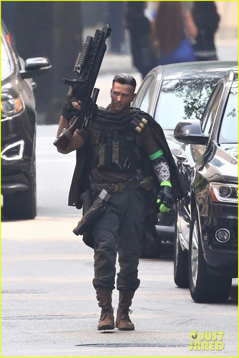 josh brolin spotted in costume as cable on deadpool 2 set 053939467