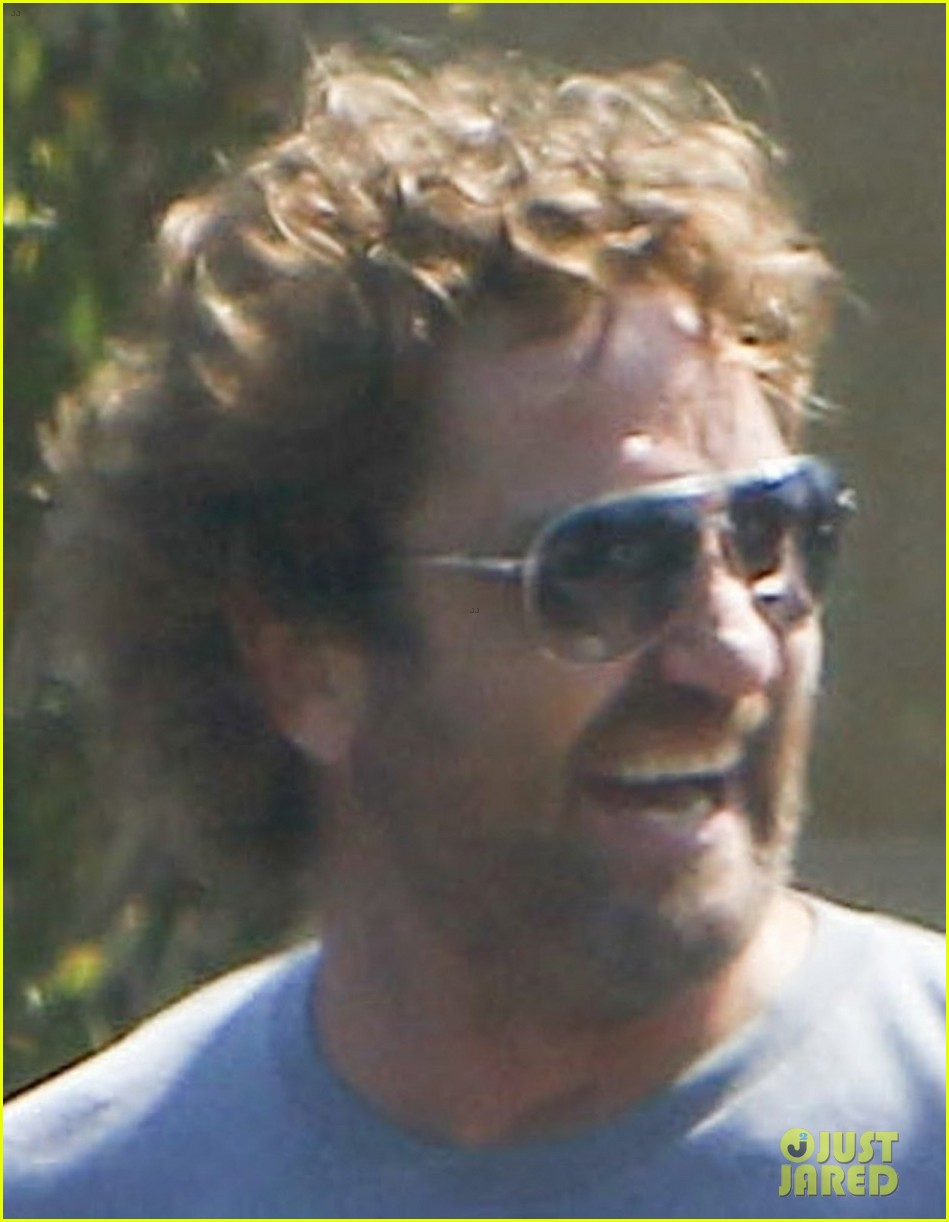 gerard butler wraps up his weekend in malibu 033938838