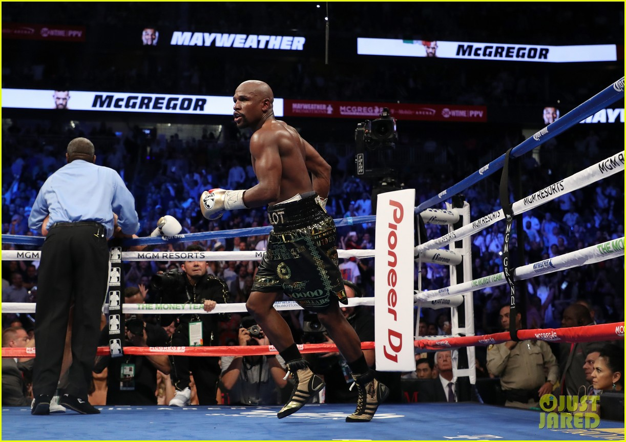 celebs react to mayweather beating mcgregor 113946009