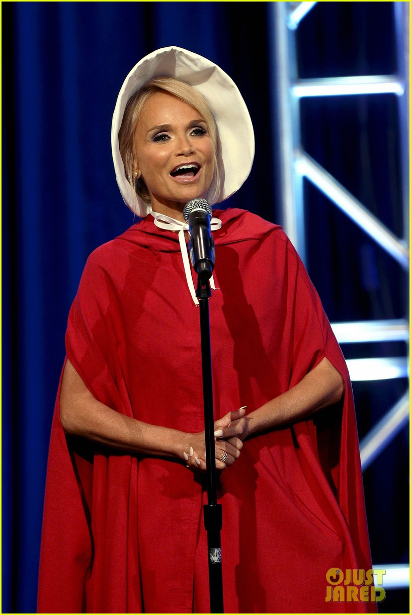 kristin chenoweth dresses as a handsmaid at tca awards 013938145