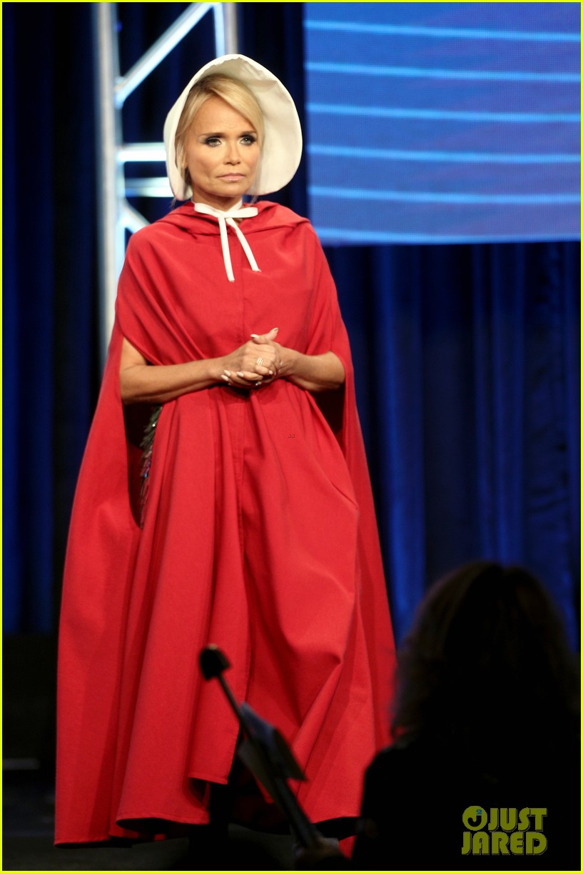 kristin chenoweth dresses as a handsmaid at tca awards 143938158