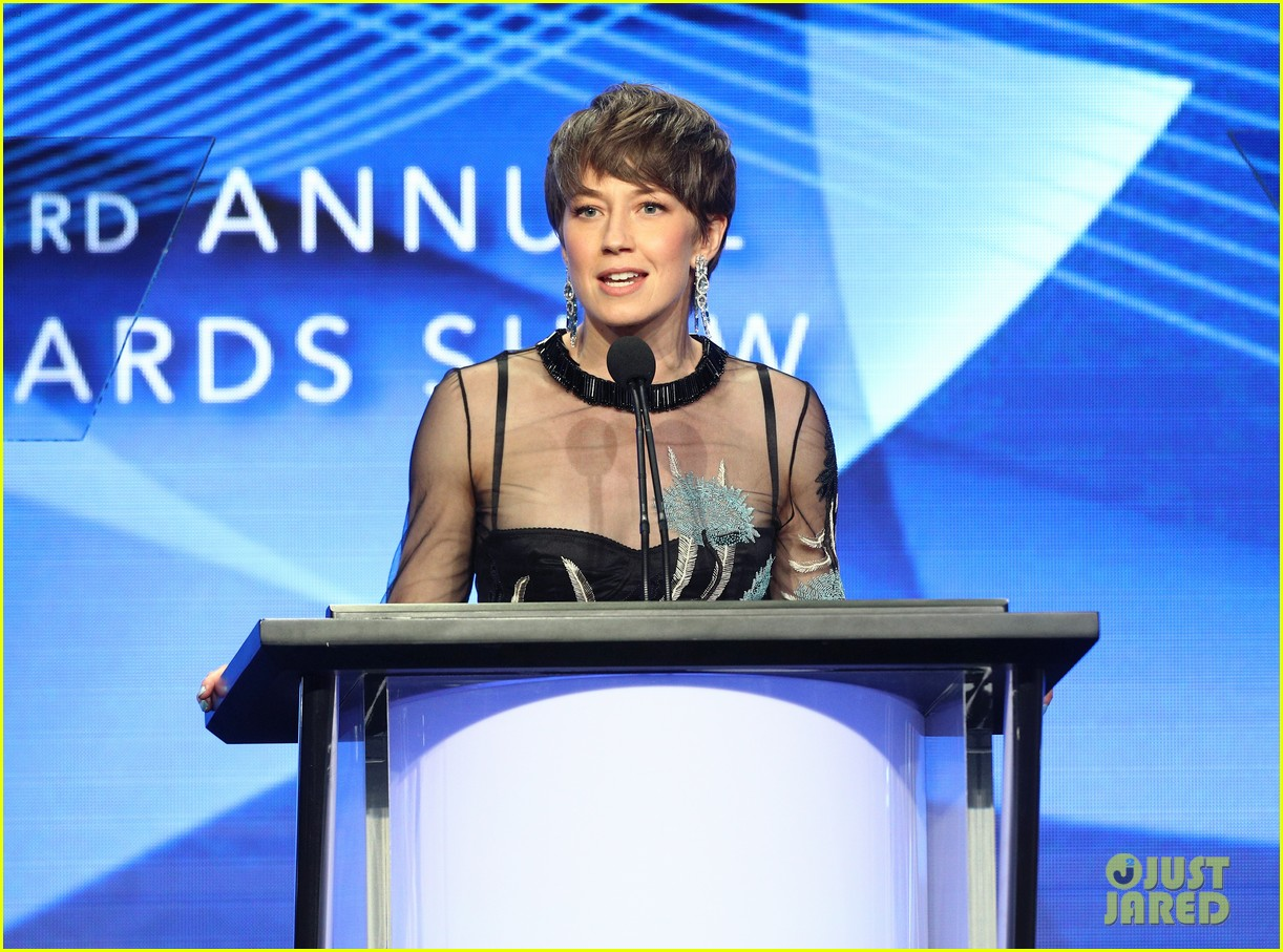 carrie coon takes home the award for individual achievement at tcas 033938187