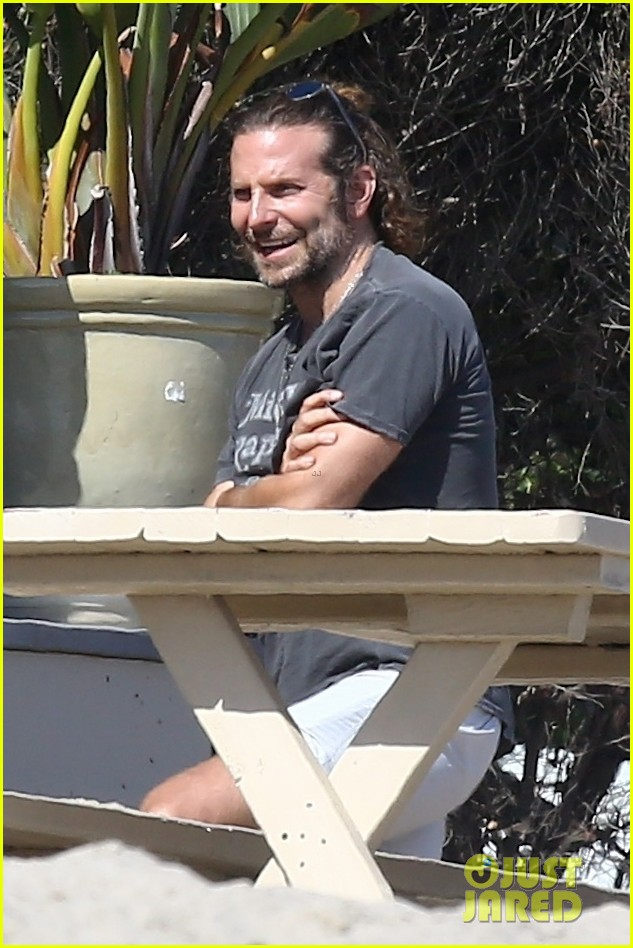 bradley cooper spends the day at leonardo dicaprios maliibu home 013943900