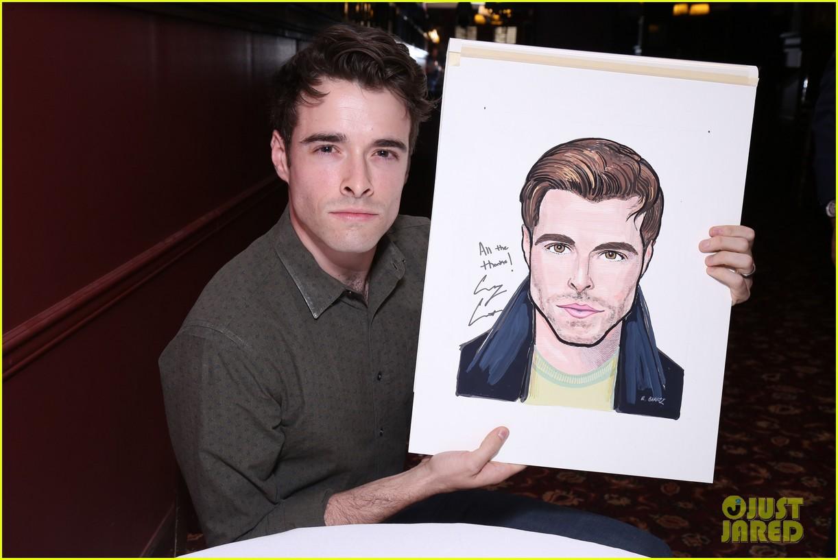 corey cott unveils his portrait at ny sardis 053941116