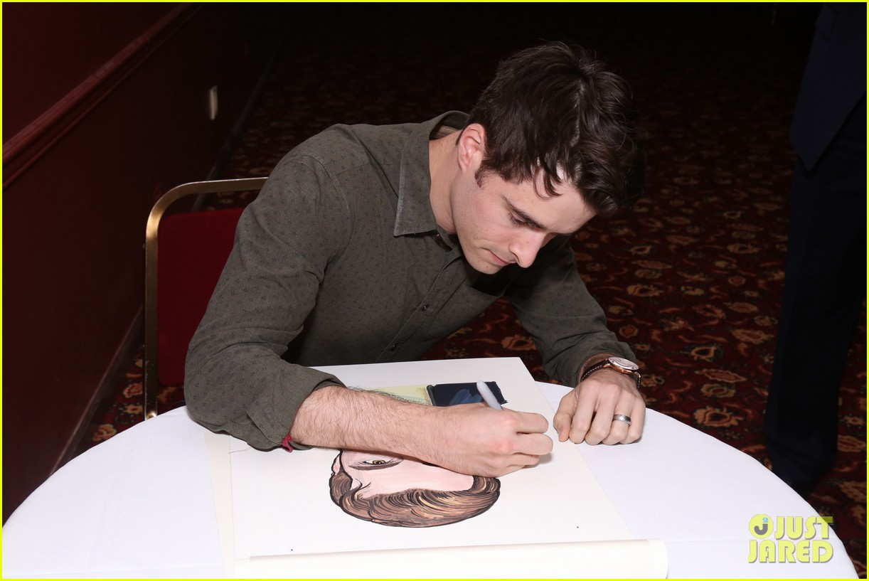corey cott unveils his portrait at ny sardis 123941123