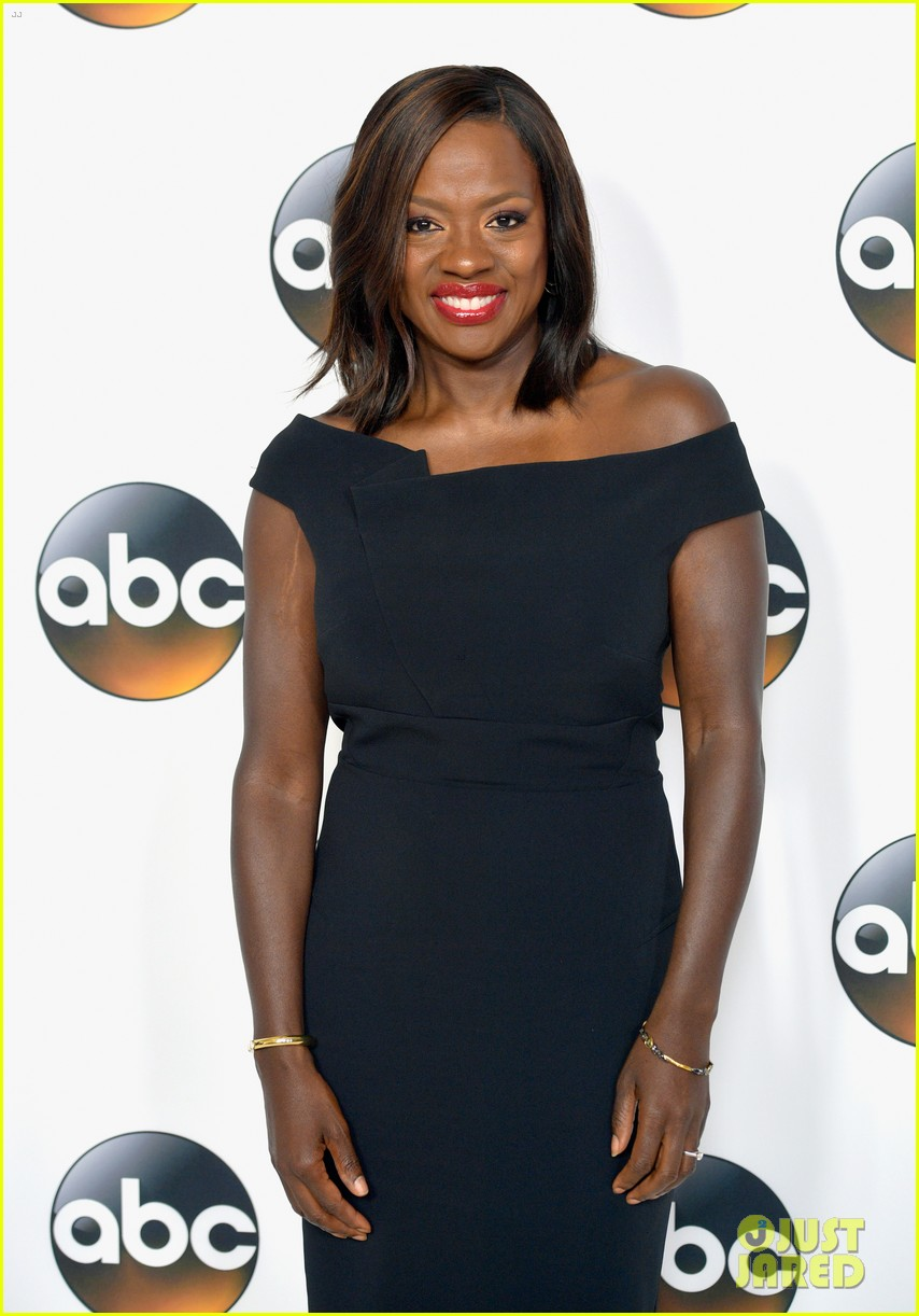 viola davis joins darby camilla at abc summer party 043938610