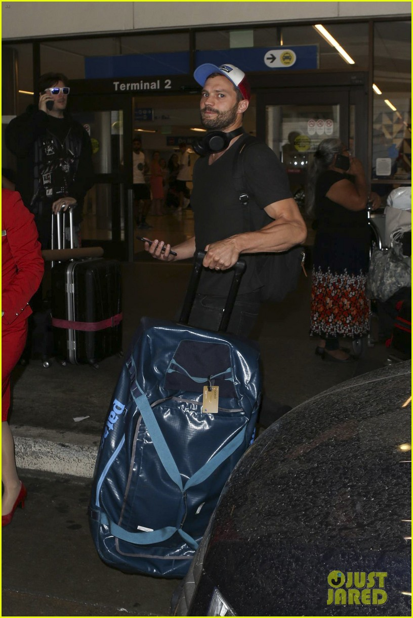 jamie dornan arrives at lax airport 083937220