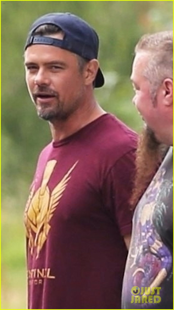 josh duhamel and buddy games cast strike a pose on set 033944363