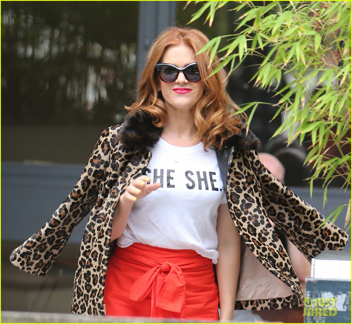 isla fisher on making people laugh im very comfortable tapping into my inner idiot 013944457
