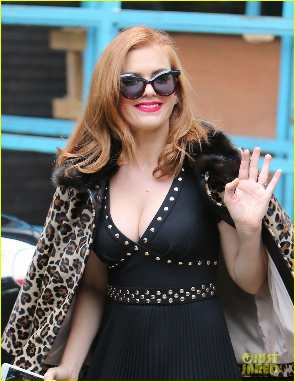 isla fisher on making people laugh im very comfortable tapping into my inner idiot 143944470