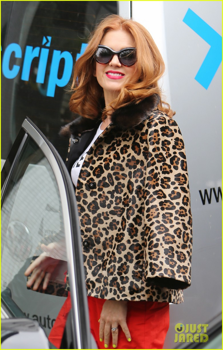 isla fisher on making people laugh im very comfortable tapping into my inner idiot 173944473