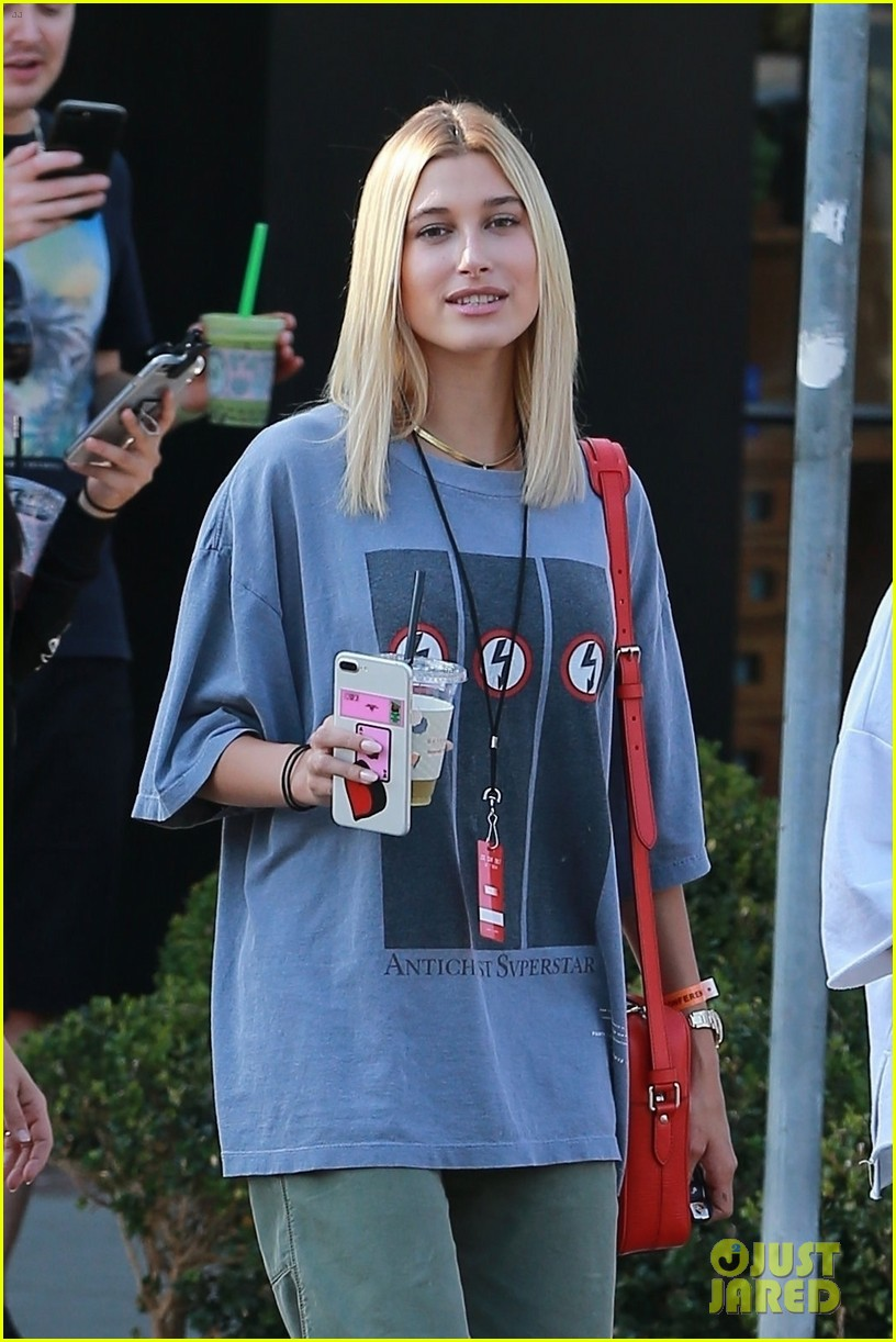 Hailey Baldwin Can T Wait For Next Zoe Conference In 2 Years Photo 3938345 Hailey Baldwin Pictures Just Jared