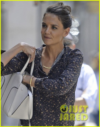 katie holmes supports peter serafinowicz at the tick premiere 043942718