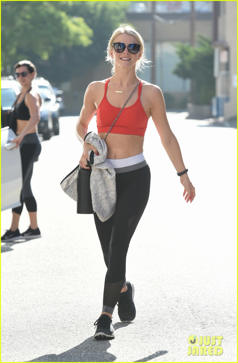 julianne hough gets in a workout before girls trip to vegas 103941050