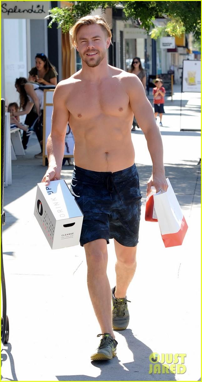 derek hough skips his shirt while shopping at a juice bar 173943463